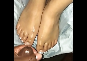 Cum on sexy toes