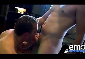 Emo jock feasts in excess of thick cock forwards receiving moneyed deep