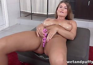 Stunner concerning unselfish natural bumpers loves toying her twat