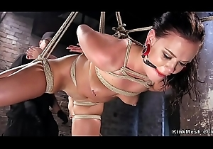 Babe fisted anent ankle bondage